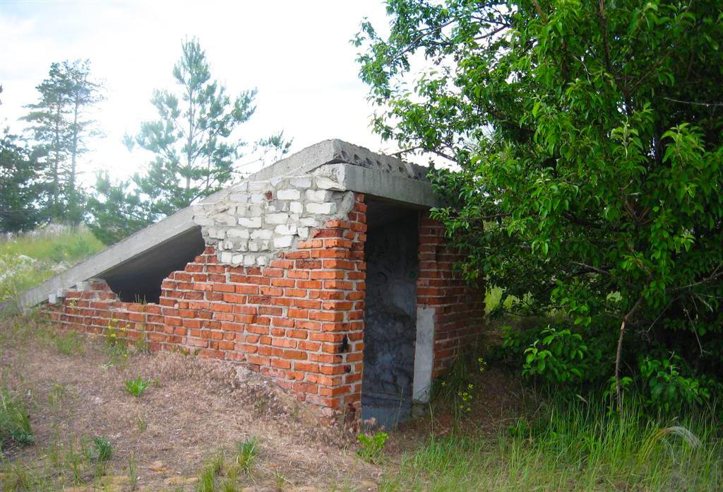 Разрушенное бомбоубежище, Арчединско-Донские пески, Волгоградская область
