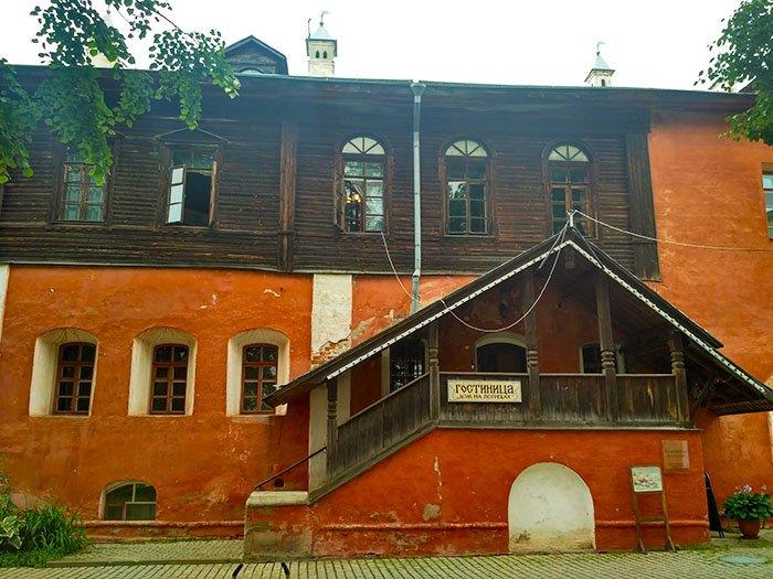 Дом на погребах, Ярославская область