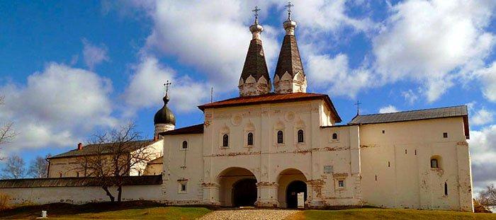 Надвратные церкви Богоявления и Преподобного Ферапонта, Ферапонтов монастырь, Вологодская область