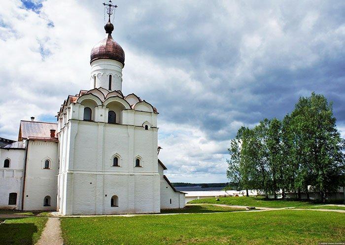 Церковь Благовещения с Трапезной палатой, Ферапонтов монастырь, Вологодская область