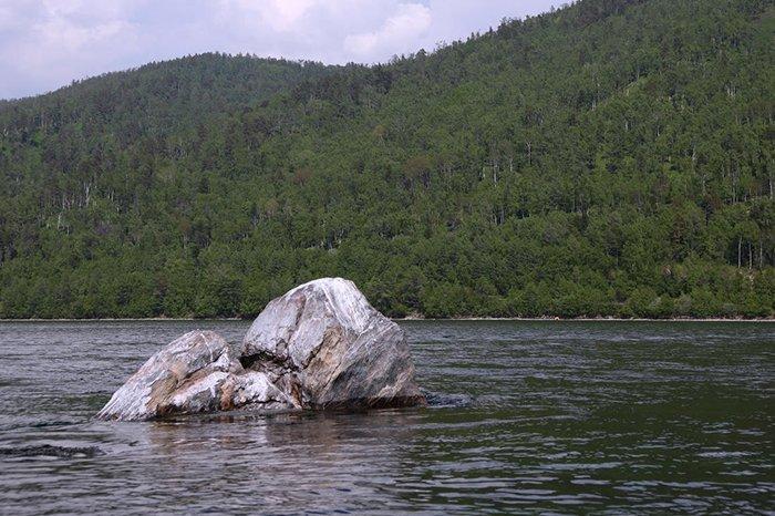 Шаман-камень, Озеро Байкал, Иркутская область