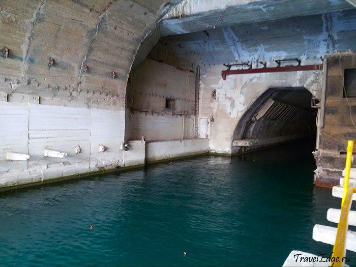 Шлюз для входа подводных лодок