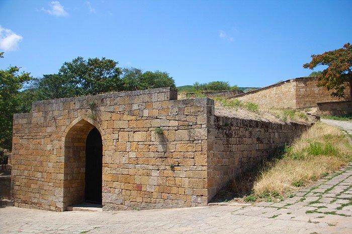 Прямоугольное водохранилище, Крепость Нарын-Кала, республика Дагестан