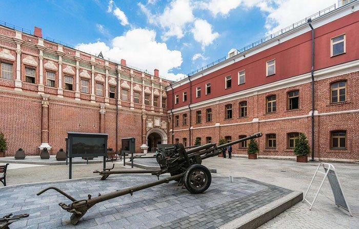 Красный монетный двор, Красная площадь, Москва