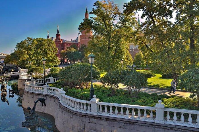Александровский сад, Красная площадь, Москва