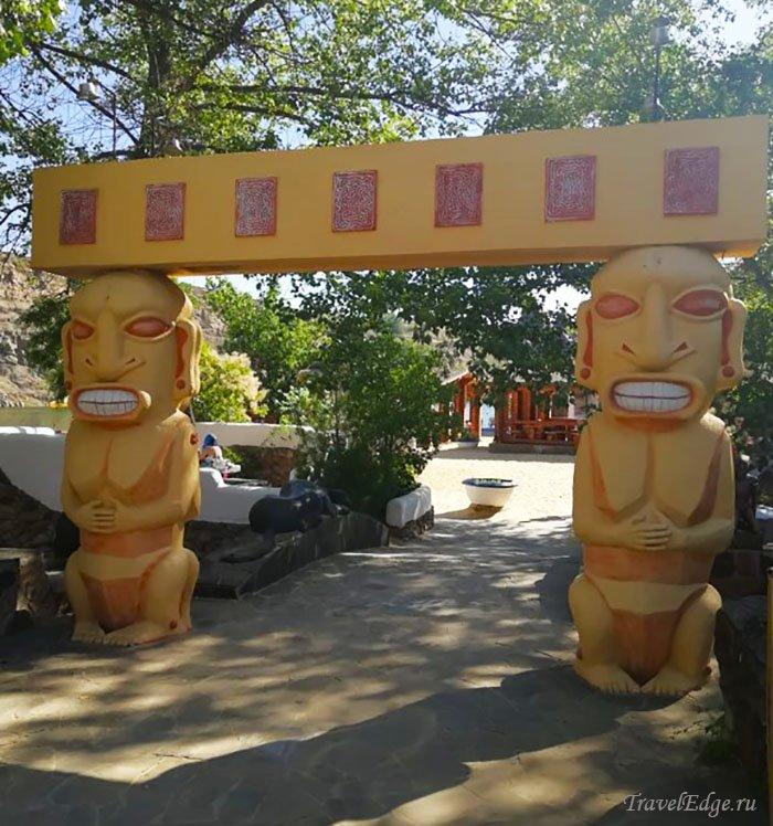 Статуи, база отдыха Эльдорадо, Ростовская область