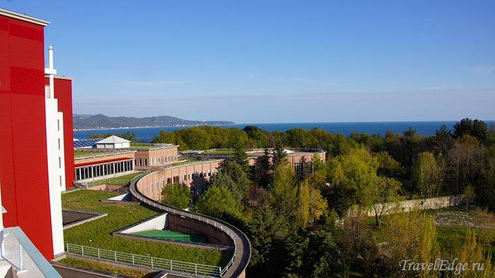 Вид с балкона номера «люкс» на 5-м этаже, санаторий «Белая Русь»