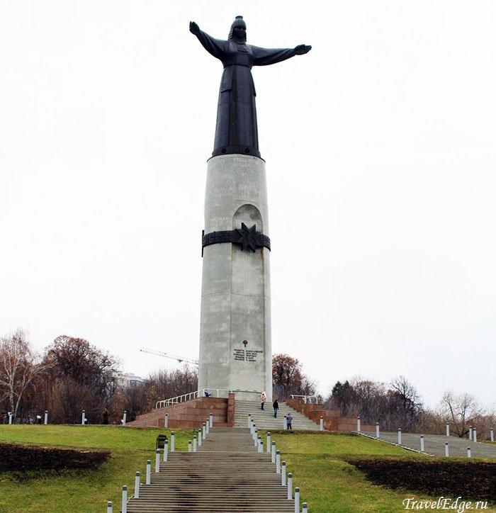 Монумент Матери, Чебоксары