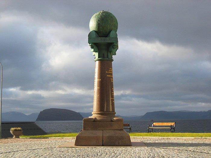 Дуга Струве в Хаммерфесте, Норвегия