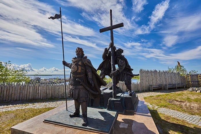 Памятник основателям острога, Обдорский острог, Ямало-Ненецкий АО