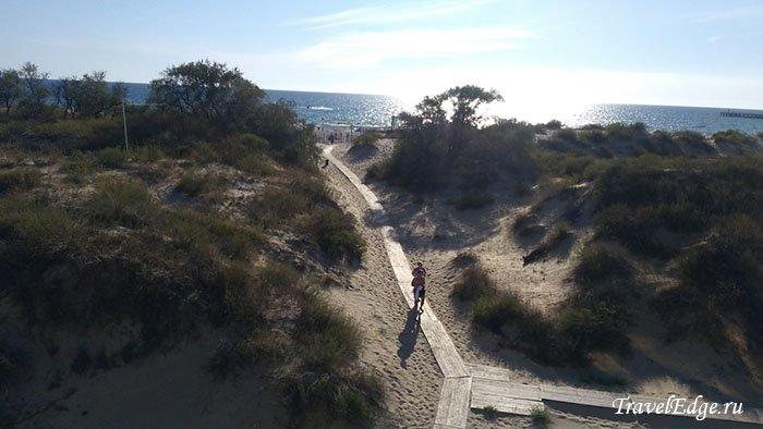 Проход на пляж отеля «Белый песок», Джемете