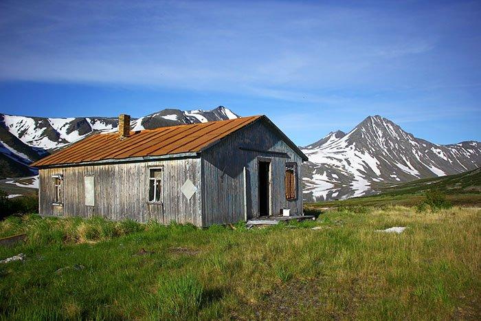 Домик метеостанции, озеро Хадатаёганлор, Ямало-Ненецкий АО