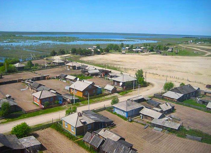 Васюганские болота, деревня
