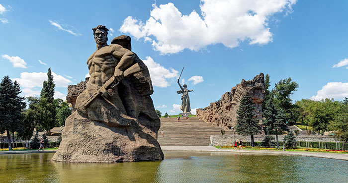 Площадь «Стоять насмерть», Мамаев курган, Волгоград