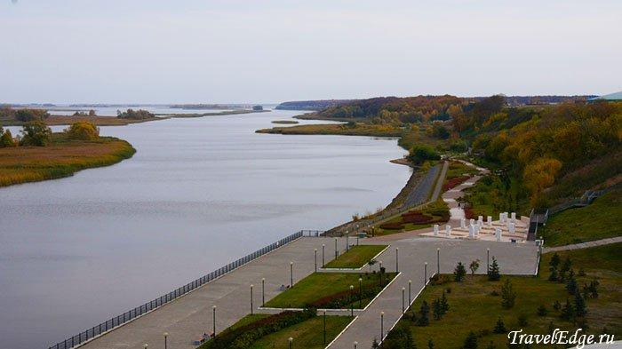 Вид сверху на парковую зону и острова, Болгар, республика Татарстан