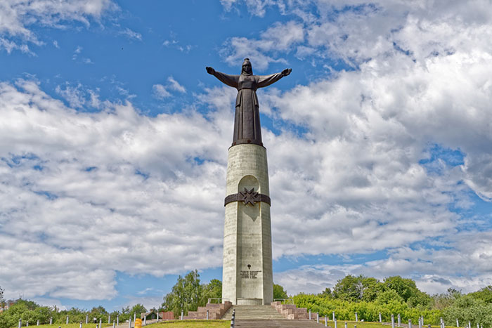Скульптура Матери-покровительницы, Чебоксары, Чувашская Республика