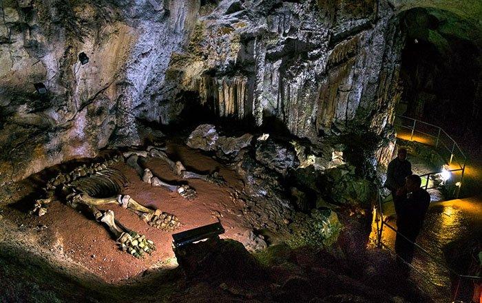 Пещера Эмине-Баир-Хосар, Крым
