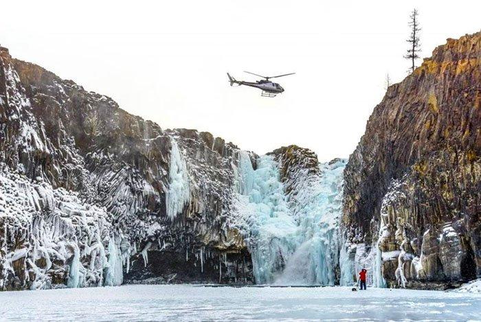 Тальниковый водопад зимой