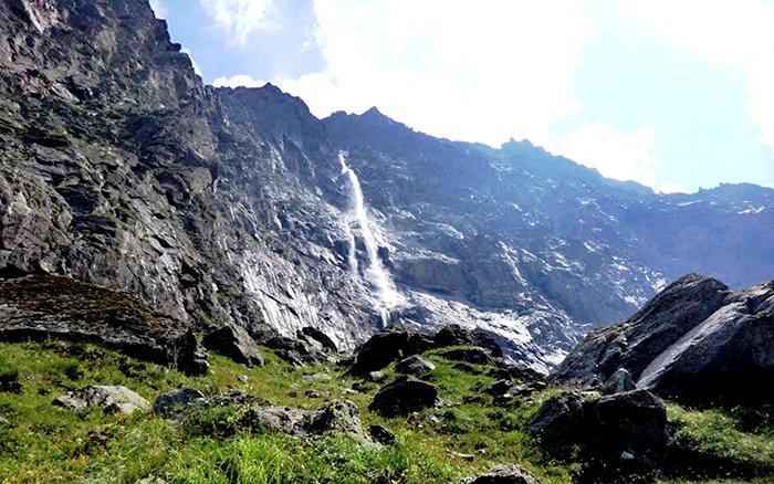 Водопад Зейгалан в Северной Осетии