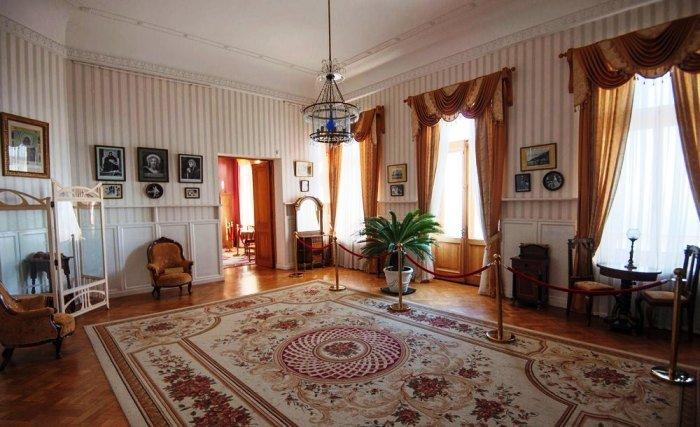 Ливадийский дворец. Спальня Их Императорских Величеств