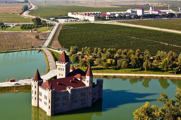 Замок Шато Эркен. Кабардино-Балкарская республика