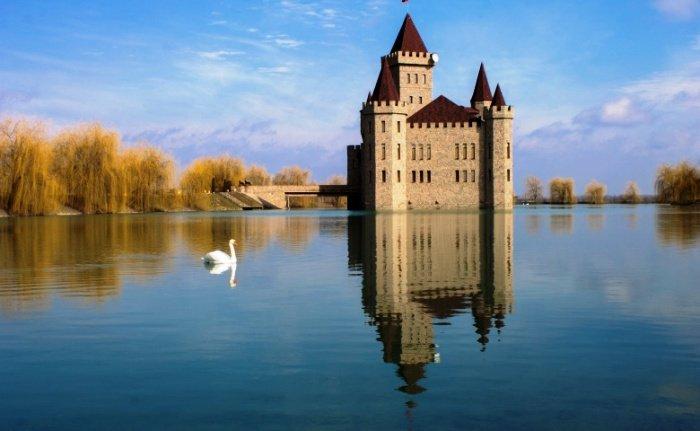 Средневековый замок Шато Эркен