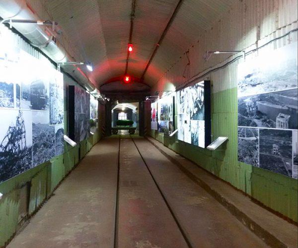Экспозиция фотографий в первом транспортном цехе
