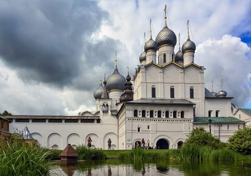 Пруд в Митрополичьем саду, Ростовский кремль